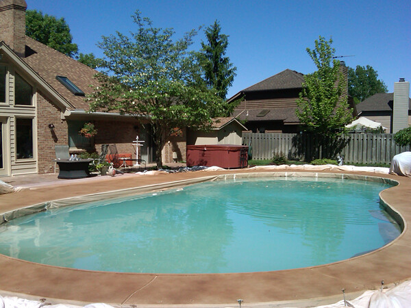 Signs You Need to Resurface Your Pool Deck